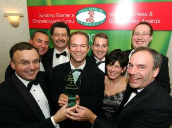 L�Or�al Manufacturing (UK) Ltd overall winner award 2006 Wales Business & Sustainability Awards