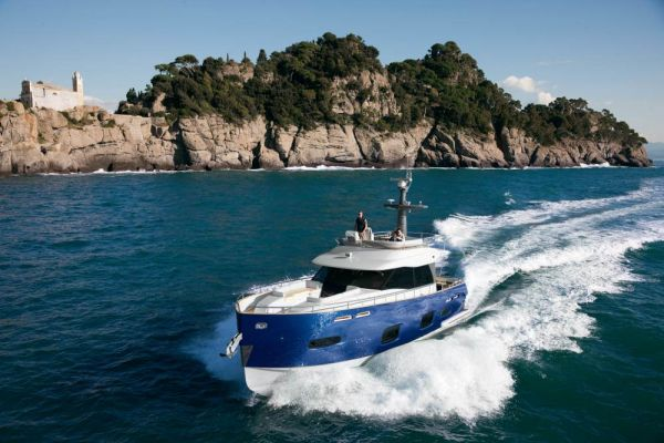 Magellano 50 - Best Innovative Design (under 24M) - 2011 World Yacht ...