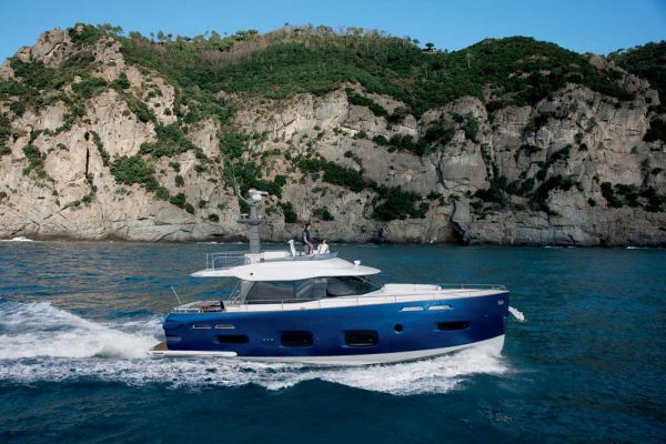 "Azimut Magellano 50 is being crowned winner of the prestigious ""2011 UIM ..."